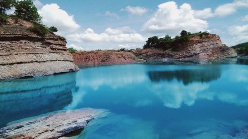 Danau Parta, Danau Biru Bekas Tambang yang Indah