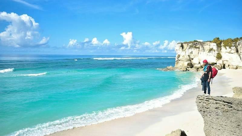 Indahnya Pantai Watu Bela di Pulau Sumba